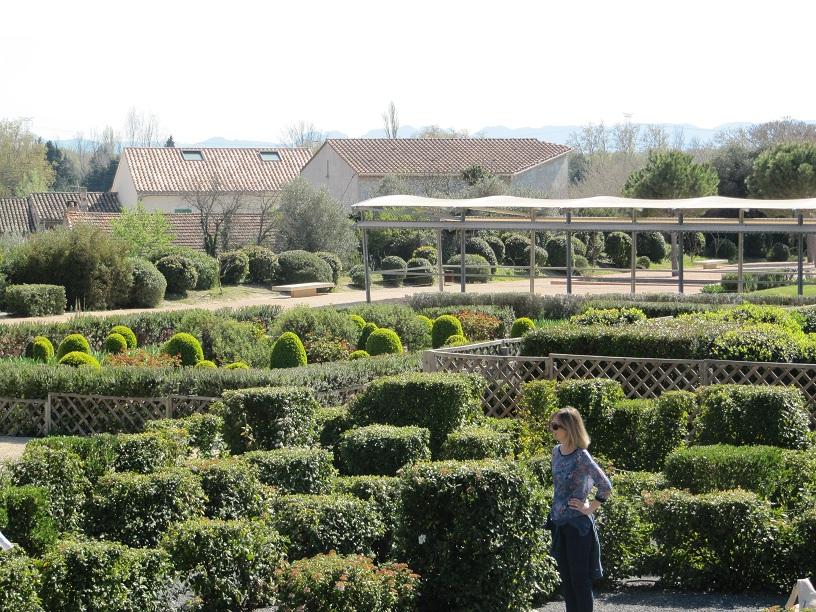 le jardin romain de caumont sur durance les pimprenelles